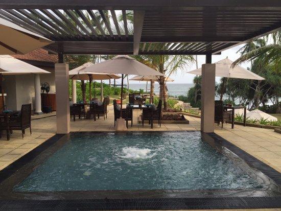 Royal Luxury next to a mindblowing Beach