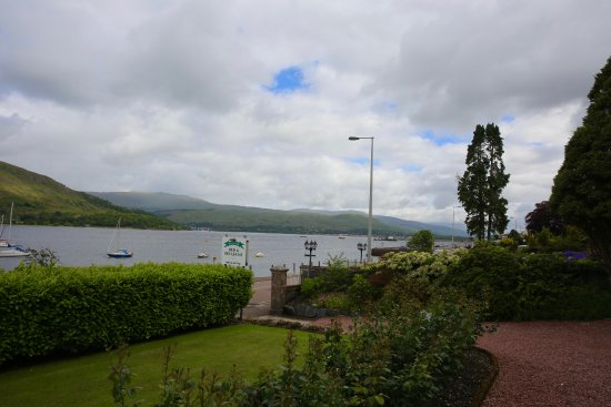 Myrtle Bank Guest House: View of Loch