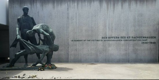 Sachsenhausen Concentration Camp : Paying Homage