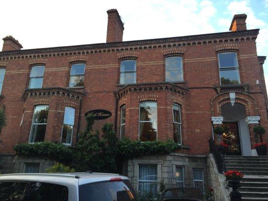 Ariel House: photo0.jpg