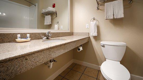 Mascoutah, IL: Guest Room Bath