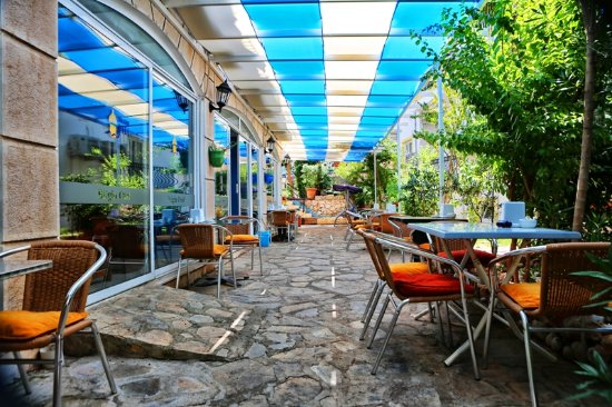Bilgin Hotel: BAHÇE