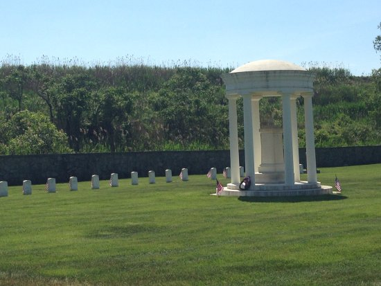 Pennsville, NJ: Memorial Day 2015 national cemetery