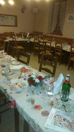 Baume Les Dames, Prancis: A table
