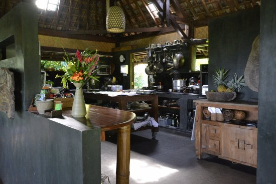 Bali Eco Stay Rice Water Bungalows: Kitchen