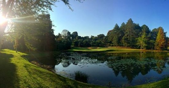 Kloof, África do Sul: Our pristine course...
