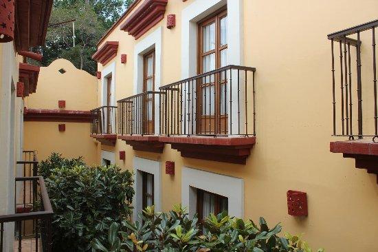 Hotel Casa Conzatti: ホテルは数ヶ所の棟にに分かれている。