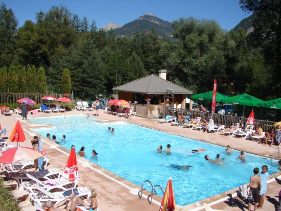 Camping 5 vall es brian on recenze tripadvisor for Briancon piscine