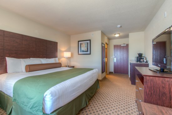 McCook, NE: King Guestroom