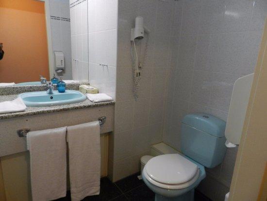 Erstein, Frankrig: 1 seule vasque et toilette non séparé