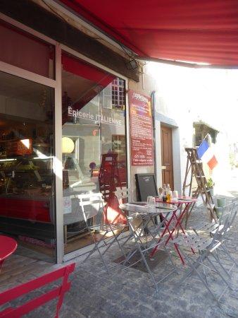 Restaurant epicerie de julie dans azay le rideau avec - Restaurant les grottes azay le rideau ...