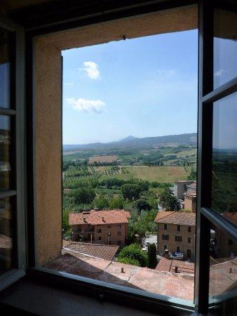 Palazzo Dell'Opera : Appartamento La Tosca - panorama dalla camera