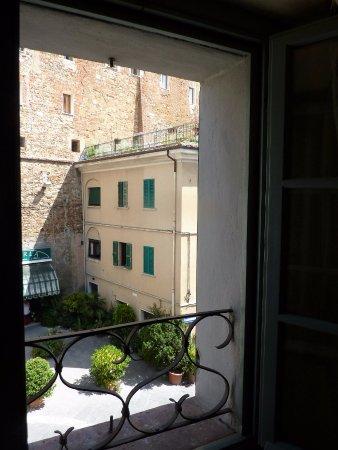 Palazzo Dell'Opera : Appartamento La Tosca - panorama dal soggiorno