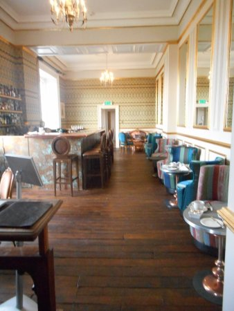 Monkton Combe, UK: Goodbye classic dining room; hello stylised bar