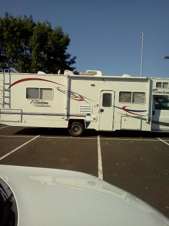 Canyonville, Oregon: Getting ready to pull into the resort.
