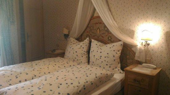 Digonera Historic Hotel: Camera e panorama