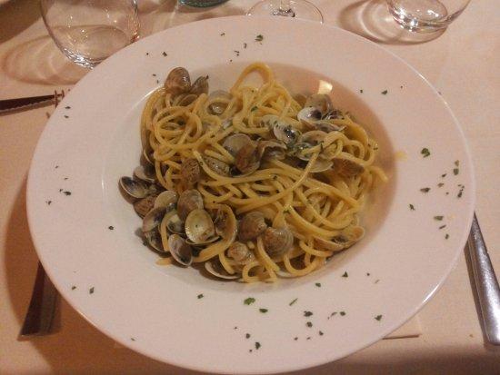 Montecassiano, Italie : Spaghetti di Gragnano alle Vongole