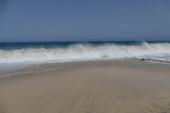 Praia de Santa Maria: Wellen sind auch geboten.