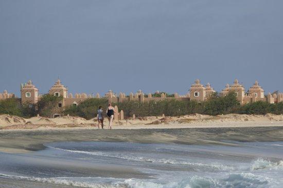 Praia de Santa Maria: Blick von Ponta Preta auf die RIU Hotels.