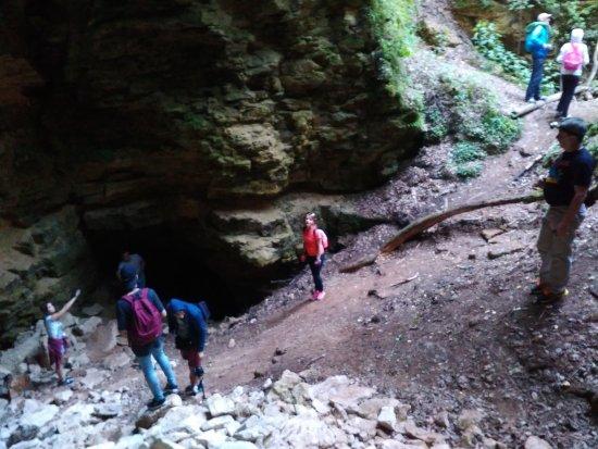 Ichalkovskiye Caves