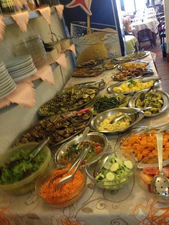 Ristorante Pizzeria LIBERTY: buffet di verdure fresche