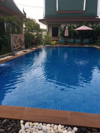 Baan Malinee Bed and Breakfast: Pool view from the deluxe villa