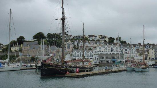 Brixham, UK: Heritage pontoon arrival