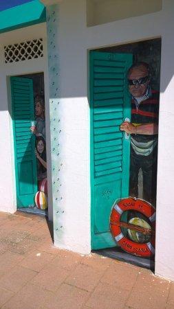 carla e gino ritratti da un bravissimo pittore - picture of bagni ... - Bagno Zen Gabicce Mare