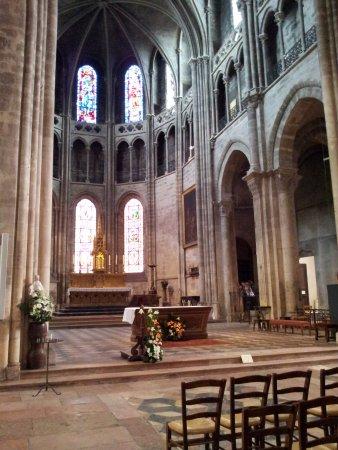 Cathédrale Saint Vincent : Vista altare
