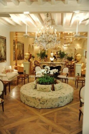 Les Pres d'Eugenie: One little salon.