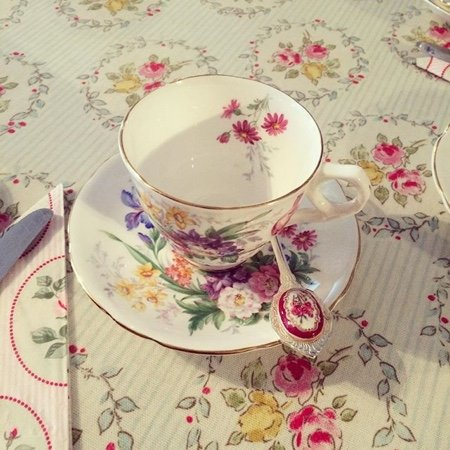 Cuckfield, UK: Vintage Crockery Hire