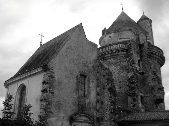 Apremont, Fransa: Tour est et chapelle
