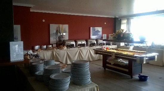 Apartamentos La Kiki: Buffet breakfast