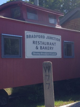 Bradford, NH : Serving breakfast and lunch