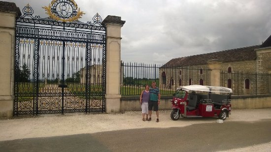 Saint Magne de Castillon, France: Tuk Tuk tour was great fun and really informative about Saint Emillion