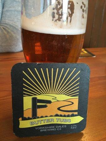 Askrigg, UK: Good local beer