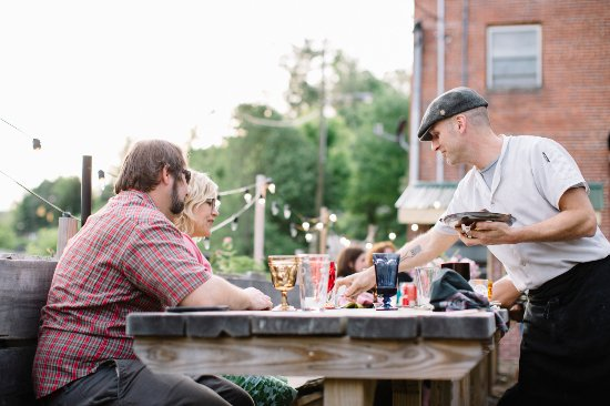 Spruce Pine, Carolina del Norte: Patio Dining