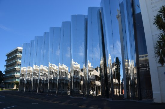 New Plymouth, New Zealand: The exterior is a series of angled mirrors