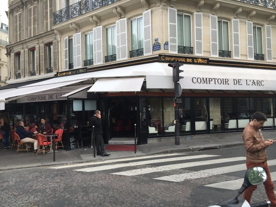 Before the crowd arrives photo de comptoir de l 39 arc - Le comptoir de l arc paris ...