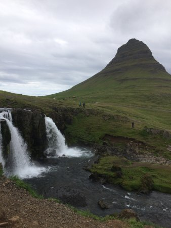 Eskimos - Day Tours: another amazing waterfall