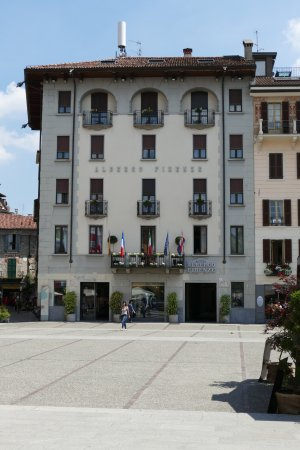 Albergo Firenze: Front view of hotel