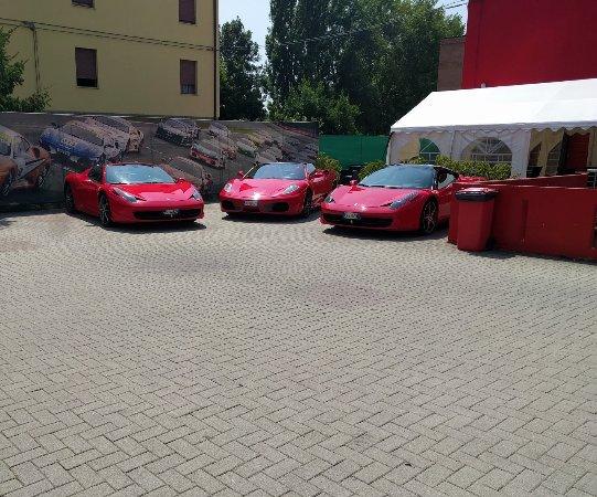 إميليا رومانيا, إيطاليا: Ferrari test drive