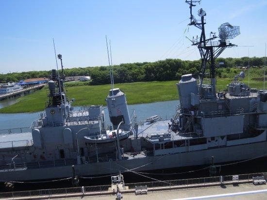 Μάουντ Πλέζαντ, Νότια Καρολίνα: Photo of the USS Laffey