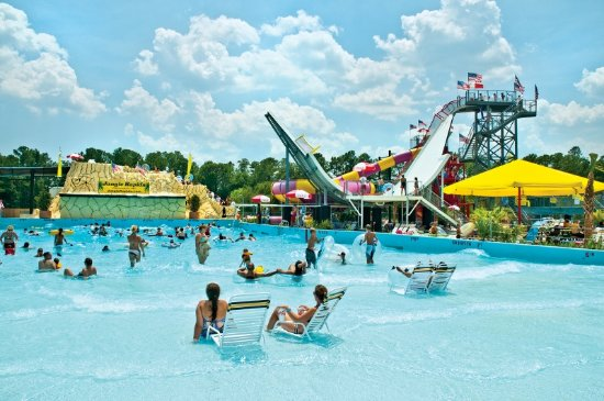Wilmington, NC: Million gallon wave pool