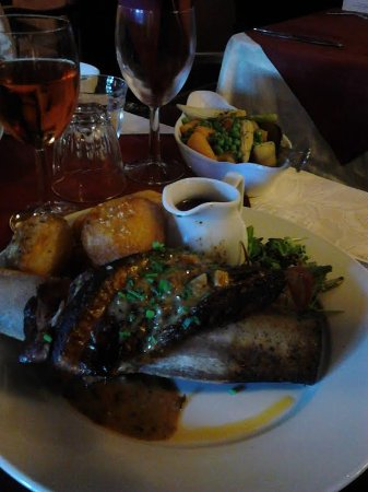 Dalwood, UK: Beef rib with potatoes, veg and meat gravy