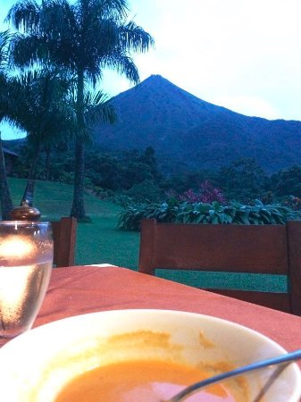 Hotel Lomas del Volcan: The view from the restaurant!