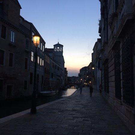 Kosher House Giardino Dei Melograni: Beautiful sights walking back to the hotel at dusk