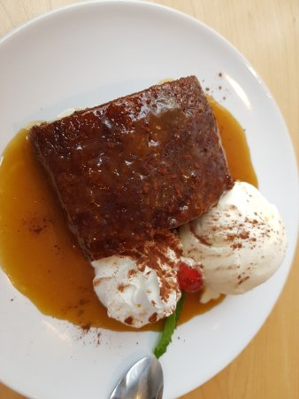 Denton, UK: Sticky toffee pudding