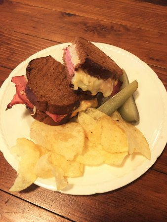Kemptville, Canadá: Feature Sandwich - The Reuben