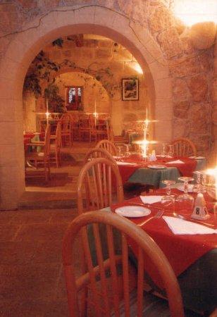 Sannat, Μάλτα: Old Skoll